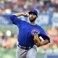 Arrieta loses no-no in 8th