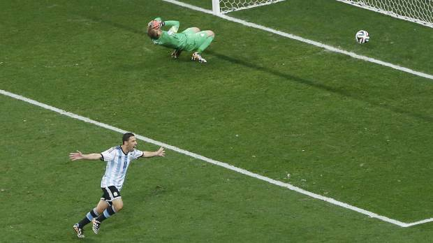 Argentina advances to final with dramatic shootout win
