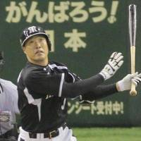 Sekimoto slugs seventh-inning grand slam against Giants