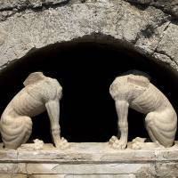 Large tomb at Amphipolis excavation site sparks intense interest