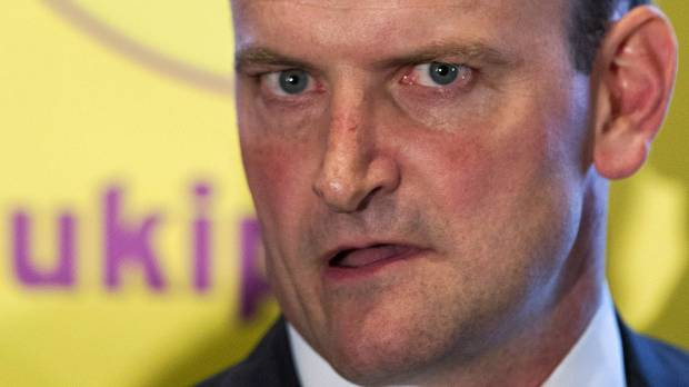 Cameron suffers blow as lawmaker defects to anti-EU UKIP party