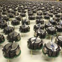 Rise of the machines? Tiny robot horde swarms to form shapes