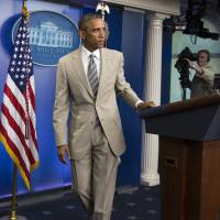 The audacity of taupe: Obama's tan suit lights up social media
