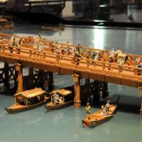 A miniature model of the Ryogoku Bridge as it stood during the Edo Period is displayed at the Edo-Tokyo Museum, depicting the area's hustle and bustle at the time. | SATOKO KAWASAKI