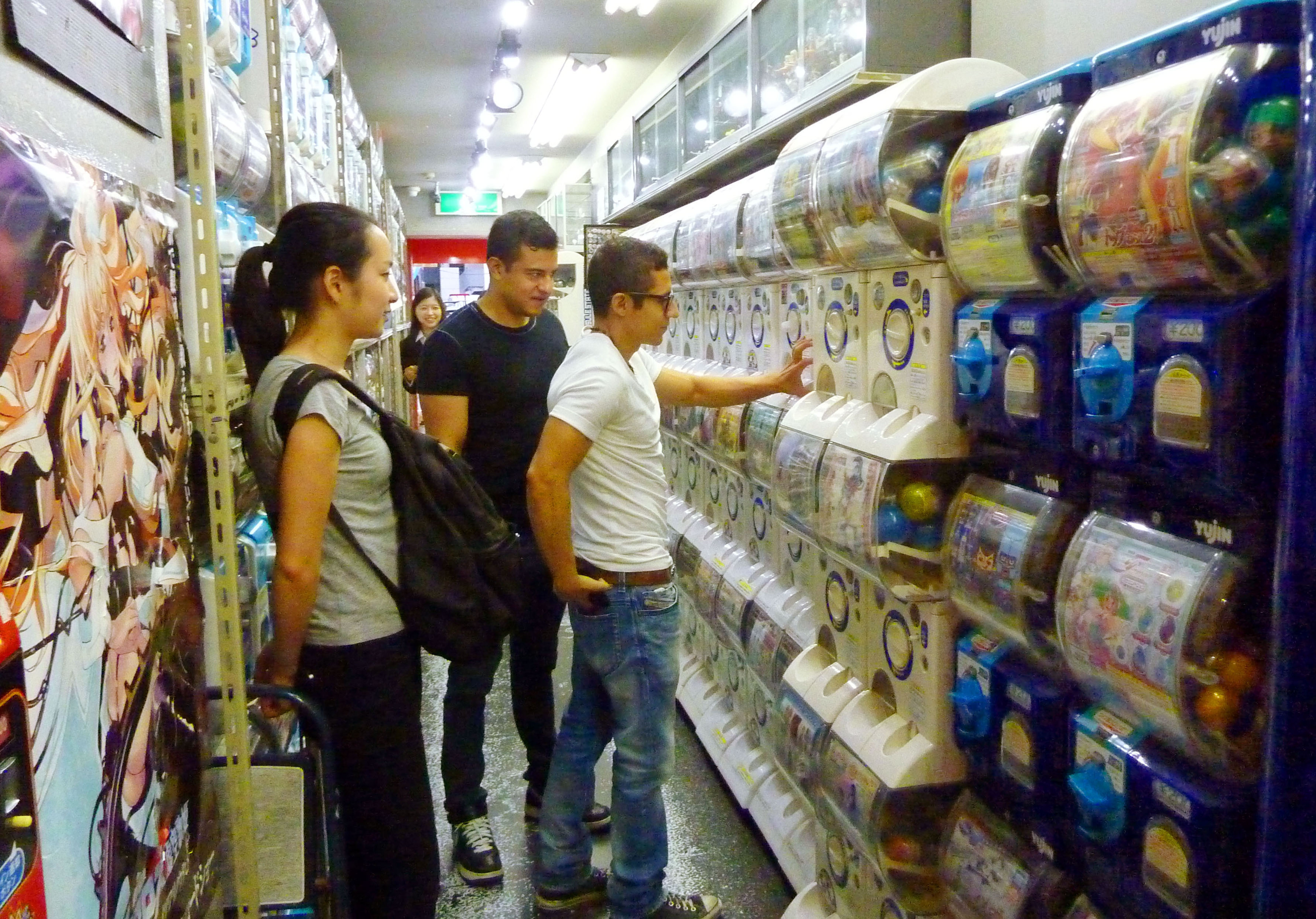 Japanese Capsule Toys : Gacha machines not just for kids anymore the