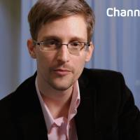 Snowden receives three-year Russian residence permit