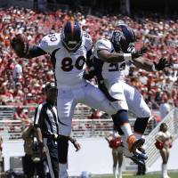 Broncos offense overwhelms 49ers