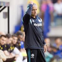 Chelsea favored to take title from Manchester City