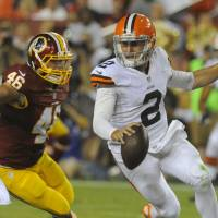 Redskins hold off Browns as Manziel causes stir with obscene gesture
