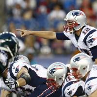 Pats get solid QB play against Eagles