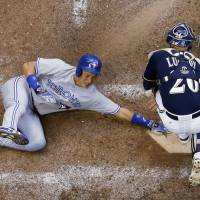 Blue Jays rally past Brewers