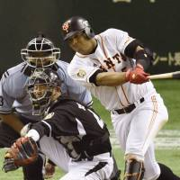 Giants stage ninth-inning rally against Tigers
