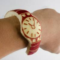 Japan's 'apple watch': a-peeling to core fans
