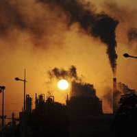 China, U.S., India push world carbon emissions higher