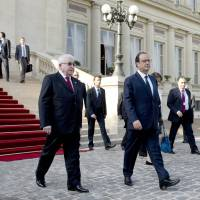 Hollande says 'no time to lose' in fighting Islamic State
