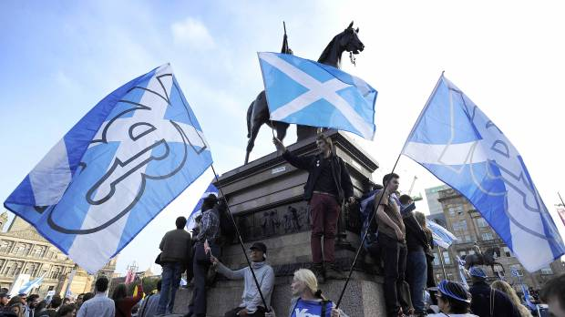 Emotions mount on final day of Scottish independence campaign