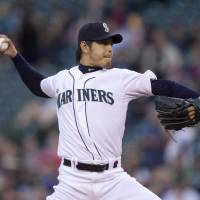 Iwakuma, M's fall to Astros