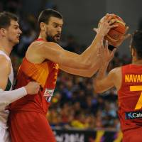 Spain, Greece stay unbeaten in FIBA World Cup