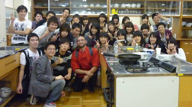 KidArt seeks to coax out Japanese students' neglected creativity