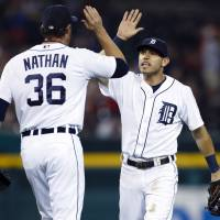 Tigers put more heat on first-place Royals