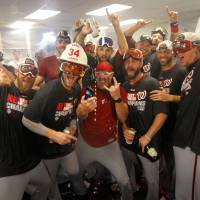 Nationals beat Braves, win division