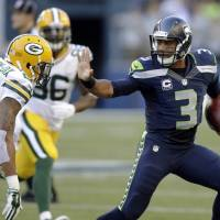 Seahawks pound Packers