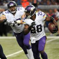Vikings reverse course, place Peterson on exempt list