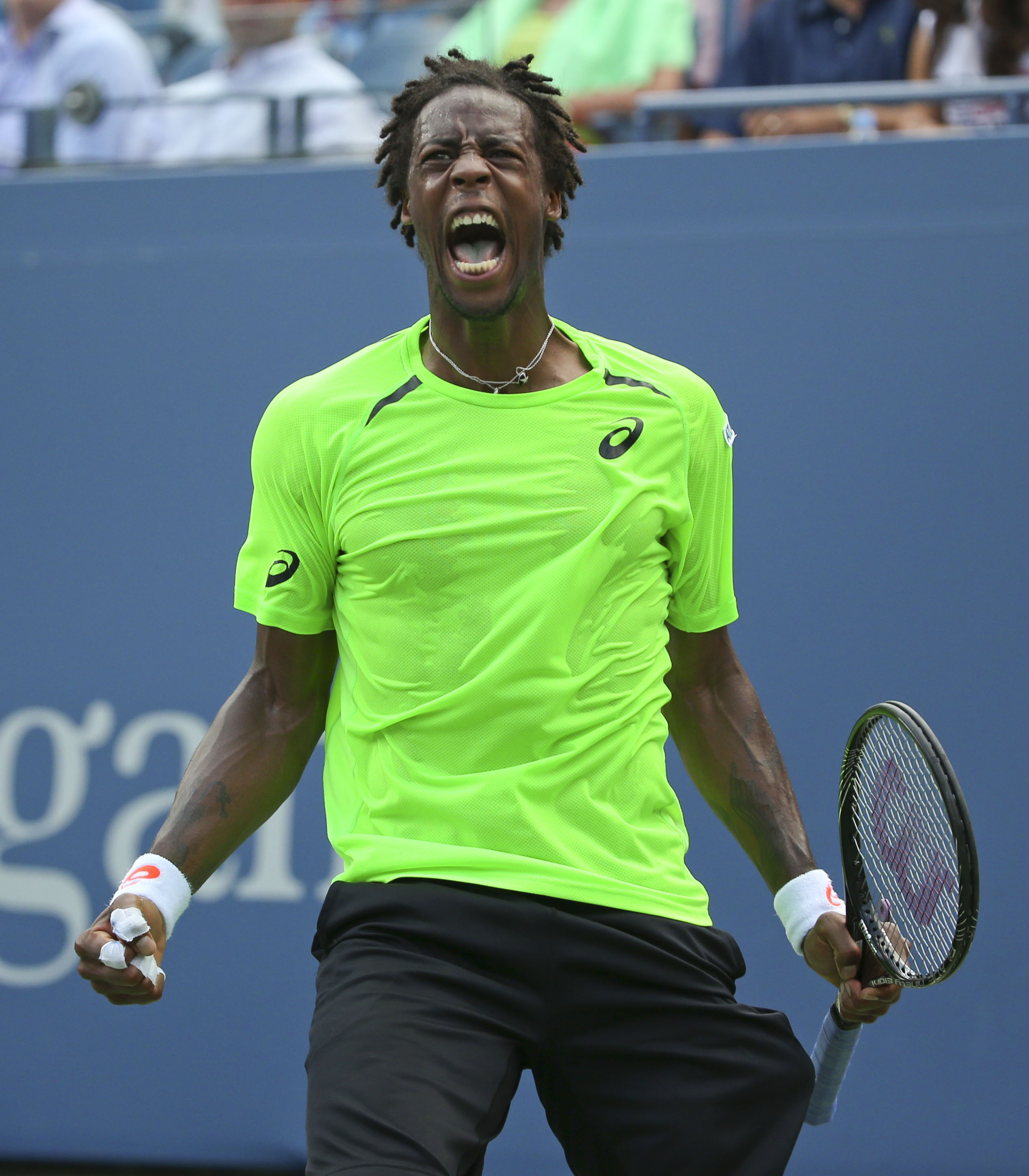 Gael Monfils Dive on a Roll Gael Monfils Reacts