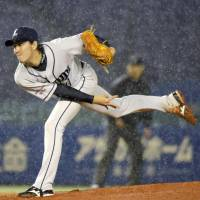 Nakamura ties Mejia for home runs as Lions beat Marines
