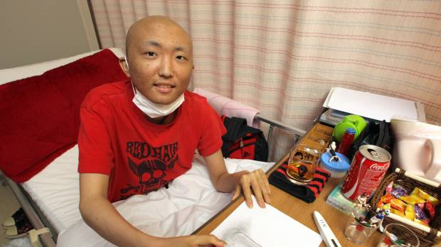 Teen cancer patient asks Aichi governor to arrange schooling in hospital