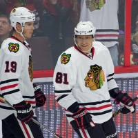 Chicago's Hossa notches 1,000th career point