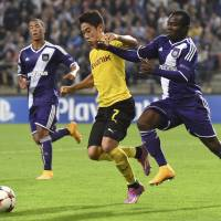 Kagawa pulls strings for Dortmund in win over Anderlecht