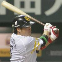 Yoshimura heroics carry Hawks to Game 1 triumph