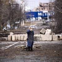 Europe warns Russia over Ukraine rebel poll; truce's collapse feared