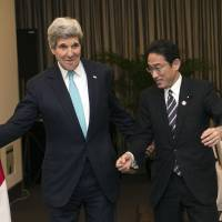 Japan, China foreign ministers in last-ditch talks over Abe-Xi meeting