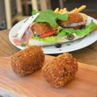 Nishitomiya Croquette Store: Crunchy snacks that are perfect for pairing