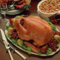 Bountiful Thanksgiving lunch, dinner; fine food for enjoying the holidays; relaxing, peaceful accommodation