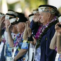 Four survivors of Arizona sinking in Pearl Harbor attack gather for reunion
