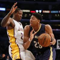 Red-hot Davis powers Pelicans past Lakers
