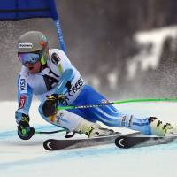 Ligety shrugs off injury for 23rd World Cup giant slalom title
