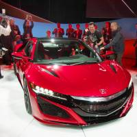 Japanese automakers debut sports cars, pickups at Detroit show
