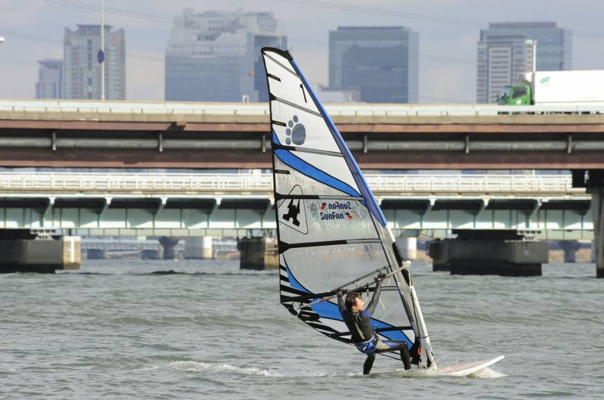 Windsurfers taking to Yodo River in downtown Osaka | The Japan Times