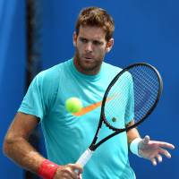Injured del Potro withdraws from Australian Open