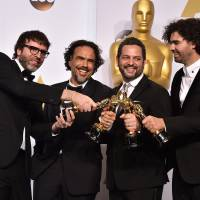 'Birdman' soars to Oscar glory with best picture win