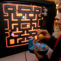 HAL wins: Computer program bests humans at 'Space Invaders'
