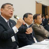 DPJ lawmakers grill Momii over his performance as NHK chairman