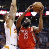Harden powers Rockets past Suns