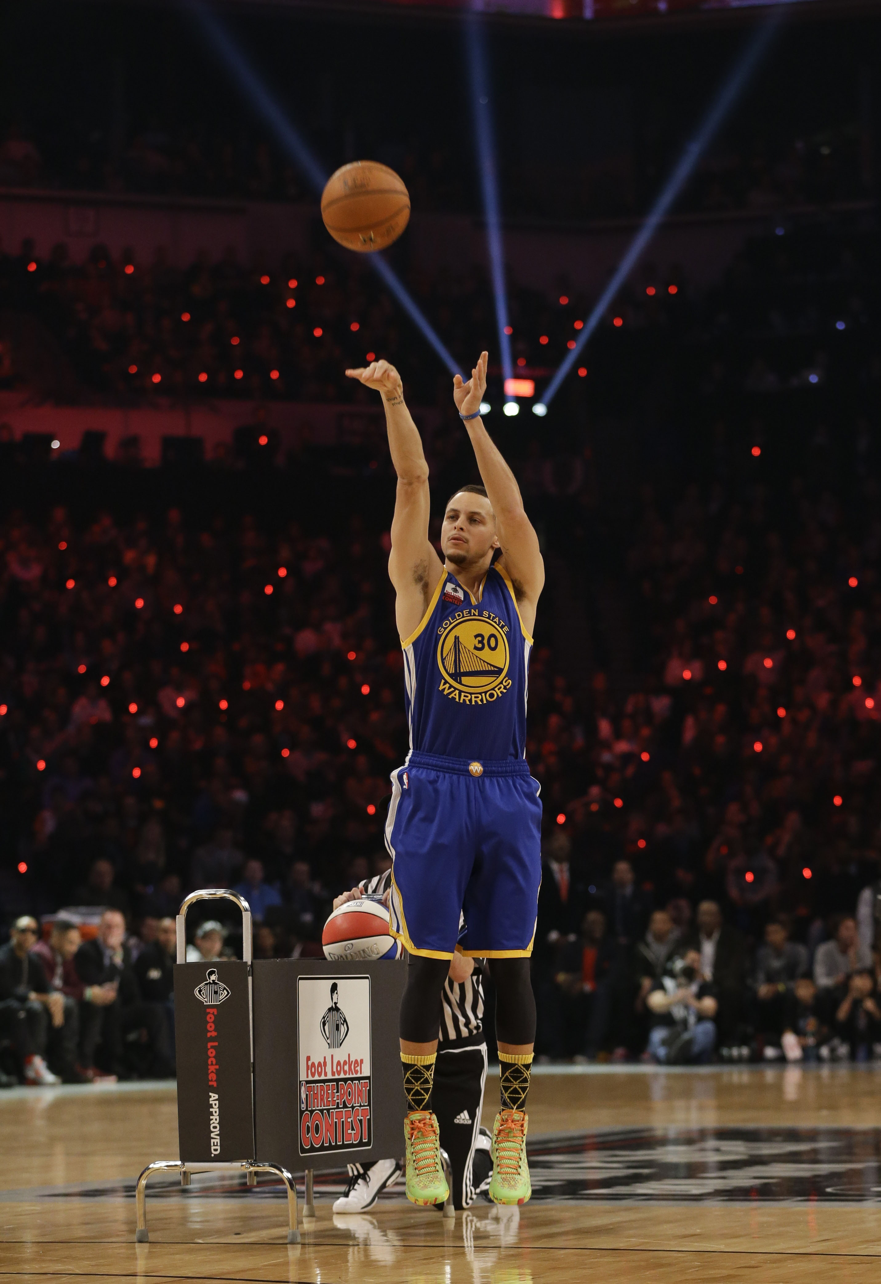 Curry shoots lights out in 3-pt event | The Japan Times