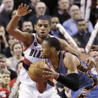 Aldridge leads Blazers past Thunder