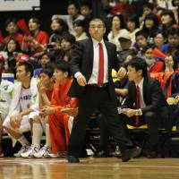 Iwate's Oketani earns 300th career victory